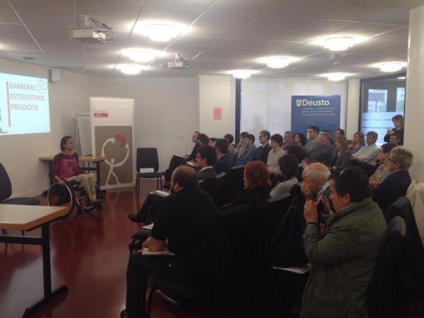 Teresa-Perales-durante-la-charla-con-empresarios-en-San-Sebastián