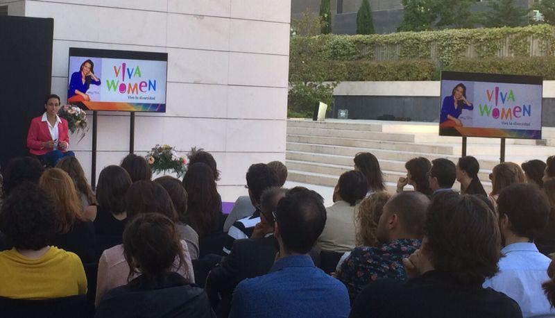 Teresa Perales participa en la presentación de VivaWomen